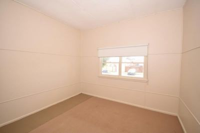 ROOM TO LET IN SHARED HOUSE - ONE WEEK FREE RENT