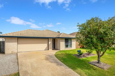 Family Home – Walking Distance To Unity College