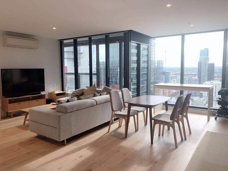 Stylish & Spacious 3 Bedroom Semi-Furnished Apartment Opposite Southern Cross Railway Station With Beautiful View Of Docklands & The Harbor