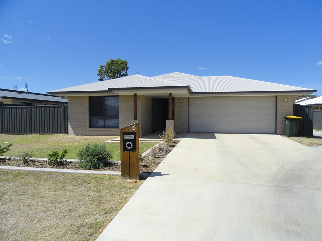 4 BEDROOM HOME WITH DOUBLE BAY SHED