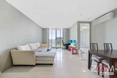 Lovely Apartment, Located in The heart of Burwood!