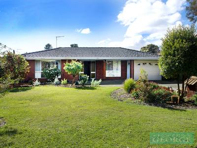 A Terrific Hamersley Home