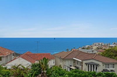 LOVELY THREE BEDROOM APARTMENT WITH OCEAN VIEWS