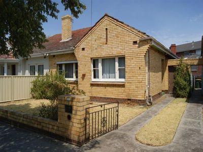 Semi-detached house near Glenbervie station in Essendon