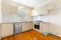 AFFORDABLE AND PERFECTLY LOCATED APARTMENT MOMENTS TO BONDI BEACH
