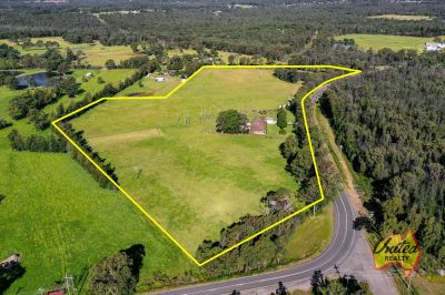 Over 20 Acres – Huge Home & Granny Flat!