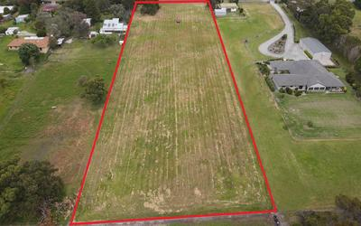 LOOKING FOR TOWN ACREAGE?