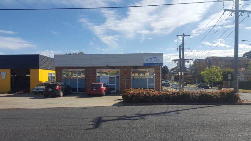 Office/Retail Space Fronting Uriarra Road!
