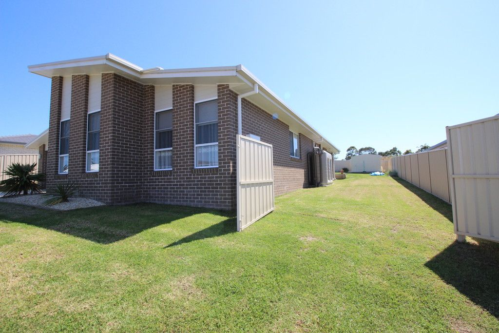 35 Kyla Cres, PORT MACQUARIE NSW 2444