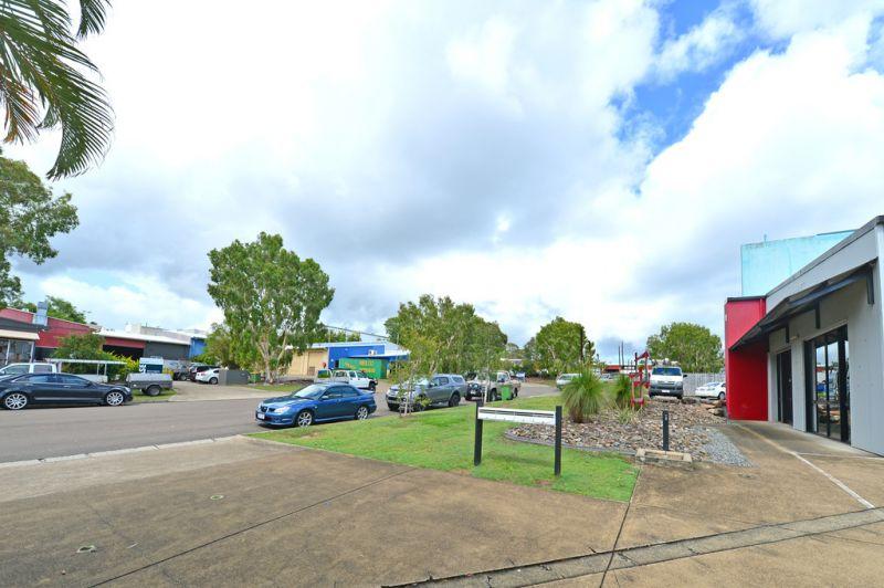 Prominent Noosaville Industrial Unit