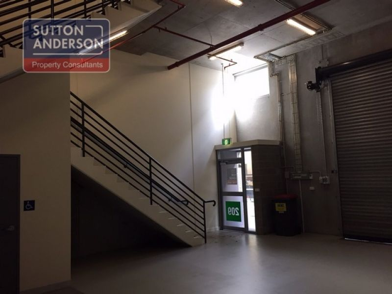 High Tech Office/Warehouse Unit in Chatswood