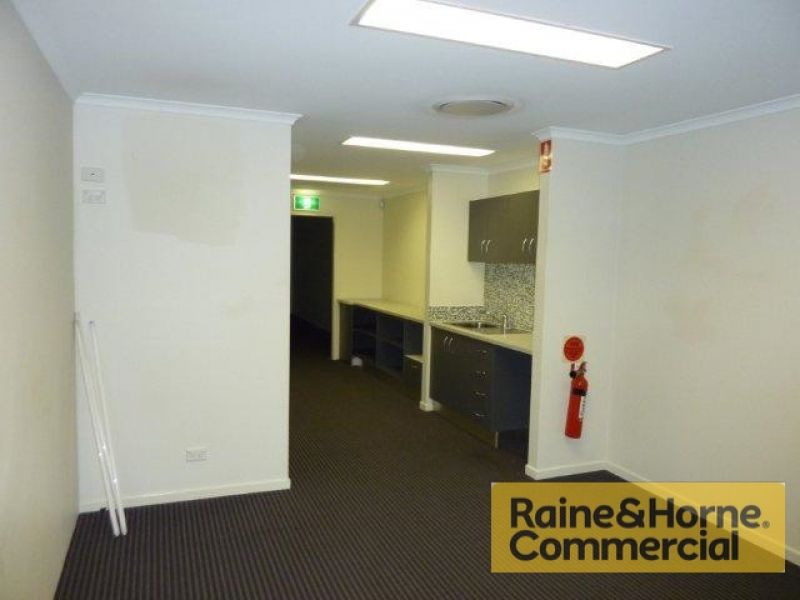 215sqm Top Quality Front Unit with Corporate Office & Warehouse