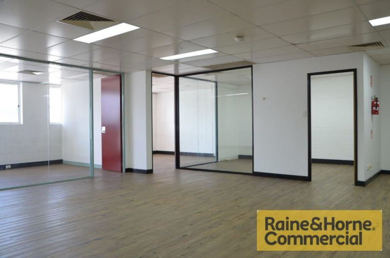 Central Coorparoo - Rent Reduced - Owner wants a Tenant now!