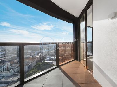 1-Bedroom Apartment with Stunning Views in Ovo
