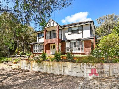 UNIQUE FAMILY HOME - REDUCED TO SELL!