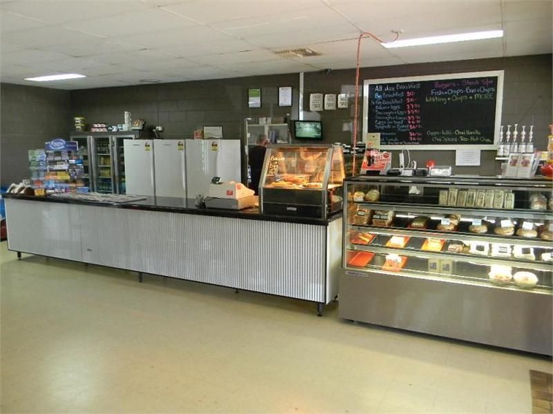HIGHLY PROFITABLE CAFE WITH CAPTURED MARKET! FREEHOLD SALE WITH RESIDENCE