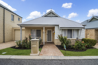 Don't miss out on this delilghtful three bedroom villa. Close to the Clubhouse and with extras such as stone benchtops and ducted air conditioning.