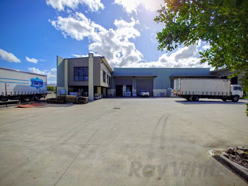 1,347m2* LYTTON OFFICE / WAREHOUSE