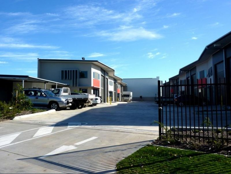 Warehouse/Office Opportunity within North Lakes Business Park