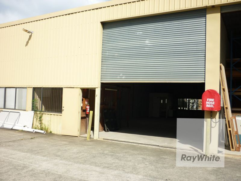 145.5 M2 TIDY INDUSTRIAL UNIT IN BRENDALE
