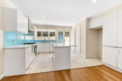 Two Bedroom Townhouse With Storage In An Idyllic Parkside Enclave (Entry Via Isabel Avenue)