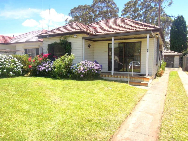 2 BEDROOM HOME ONLY A SHORT STROLL TO REVESBY SHOPS AND TRAIN STATION