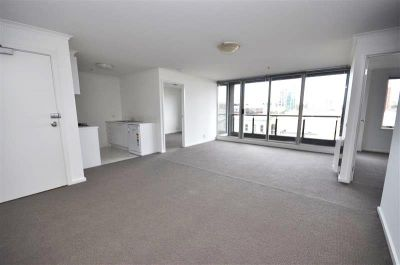 Southbank Condos: 5th Floor - Fantastic Location!