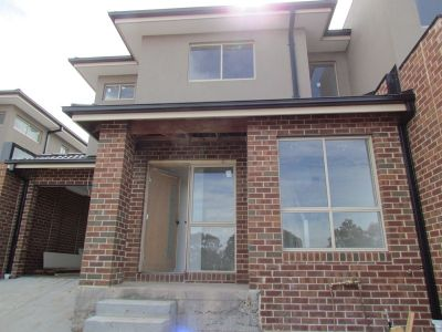 OUTSTANDINGTHREE BEDROOM TOWNHOUSE