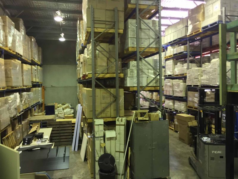 HUGE FREEZER/COOLROOM + WAREHOUSE + OFFICE & SHOWROOM!!