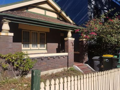 GREAT LOCATION - SPACIOUS HOUSE IN THE HEART OF BURWOOD