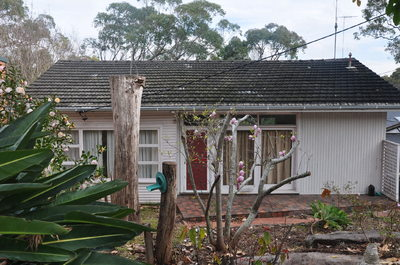 Perfect Location - Leafy Outlook, Walk to Water, Southgate Shopping Centre and Transport