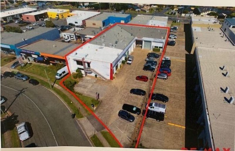 FOR THE INVESTOR - 6 COMMERCIAL PREMISES - 8.1% FULLY OCCUPIED RETURN