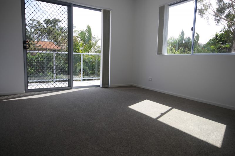 AS NEW - MODERN SPACIOUS 3BDR UNIT