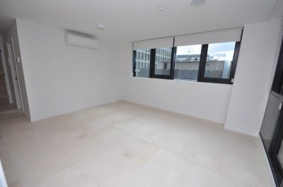 Queens Domain: 8th Floor - Brand New Two Bedroom Apartment  Modern City Lifestyle