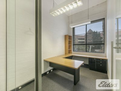 FREESTANDING CHARACTER OFFICE - MUST SEE!