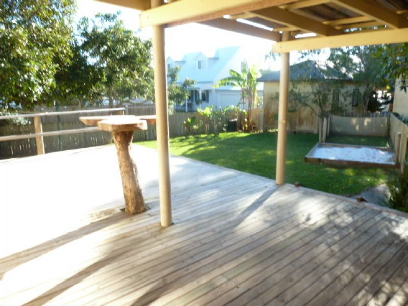3 BEDROOM HOUSE CLOSE TO BEACH & TRANSPORT
