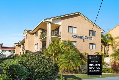 Beachside Ground Floor Apartment... Burleigh Heads
