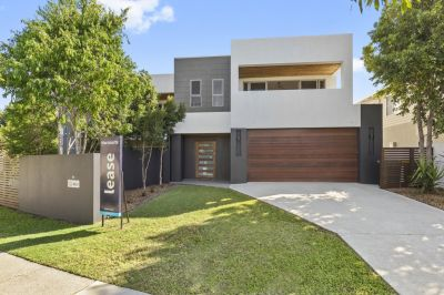 Large Modern Duplex- Perfect Location!