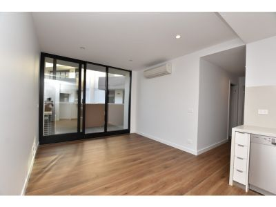 StunningTwo Bedroom Apartment in Charming Chadstone!