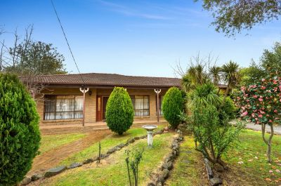 12 Montgomery Street, DONCASTER EAST