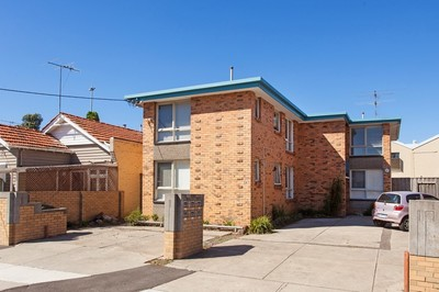 Amazing Collingwood location - and rent includes water (NO WATER BILLS)!