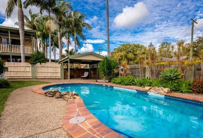 Great family home 6 Bedroom with garage and pool
