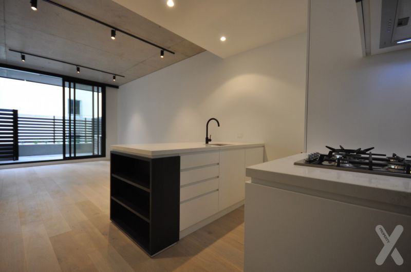 NEGOTIABLE - 28 STANLEY STREET - 2 Bedrooms, 1 Bathrooms, 1 Carpark Apartment for Lease