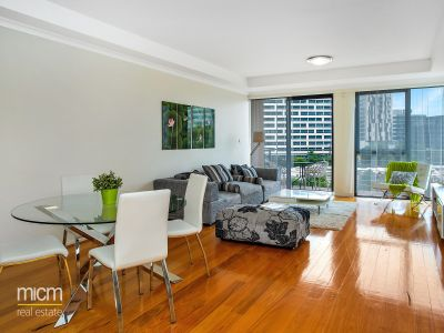 Spacious and Utterly Peaceful Southbank Living