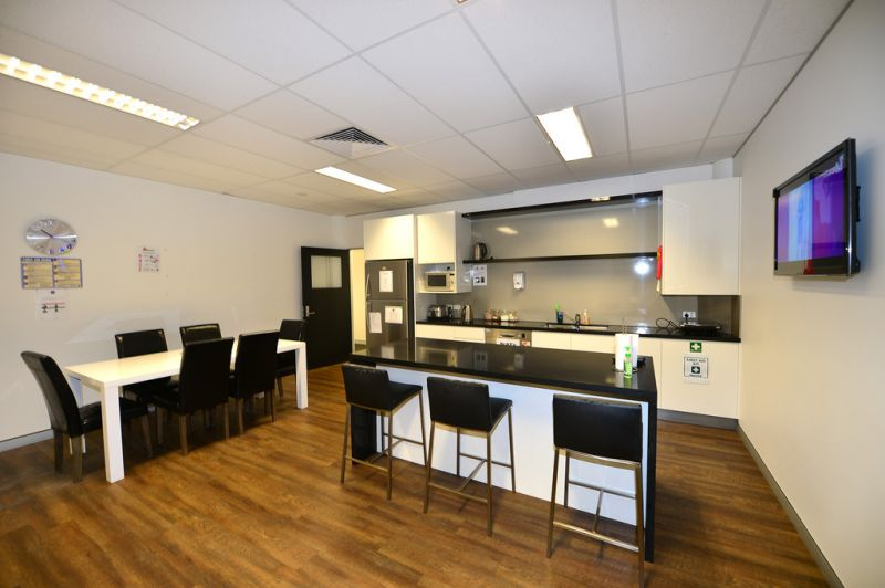 Looking For A High Quality Professional Office / Medical Suite?
