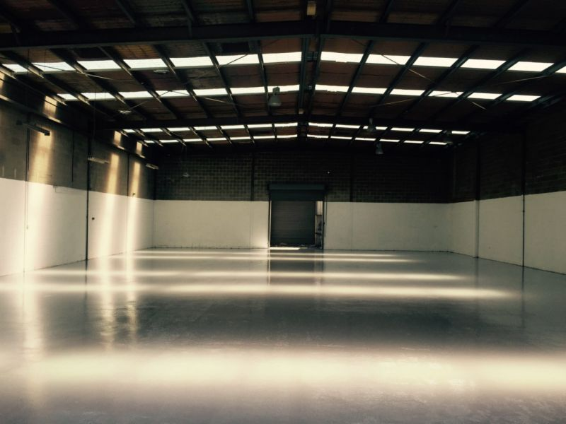 IMMACULATE  WAREHOUSE PLUS OFFICE - MUST SEE !