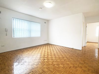 TWO AVAILABLE - UNITS 4 & 6 - Spacious Two Bedroom Apartment in Fantastic Location! NEW Kitchens installed. LUG.
