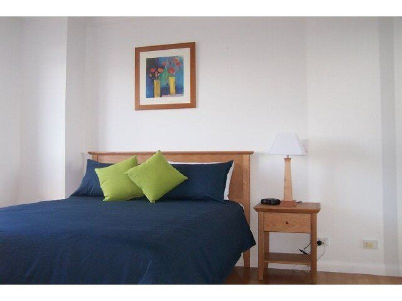 2 Bedroom Furnished Accommodation, NEWCASTLE