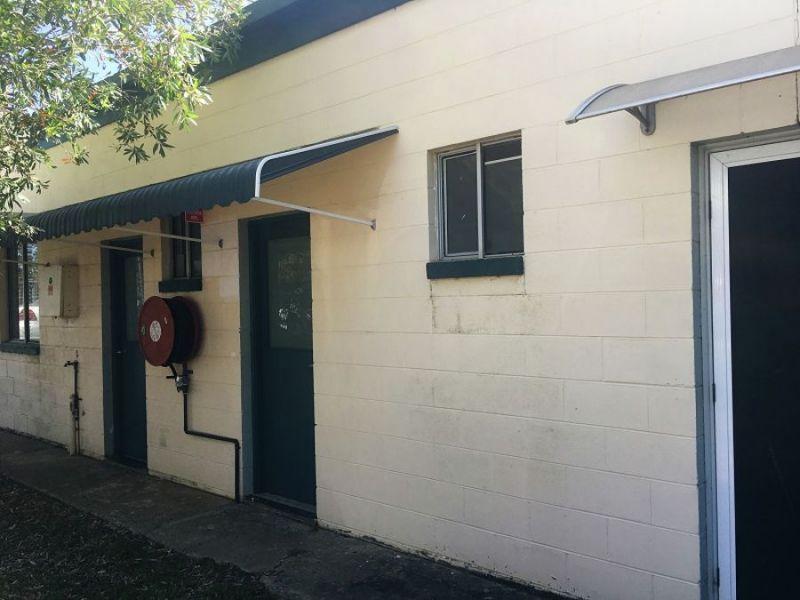 Clean, Convenient Unit In Handy Wallis Avenue