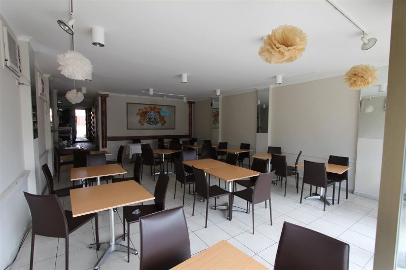 FULLY EQUIPPED RESTAURANT/CAFE